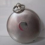 Reverso de un reloj semi-catalino embellecido con guilloché