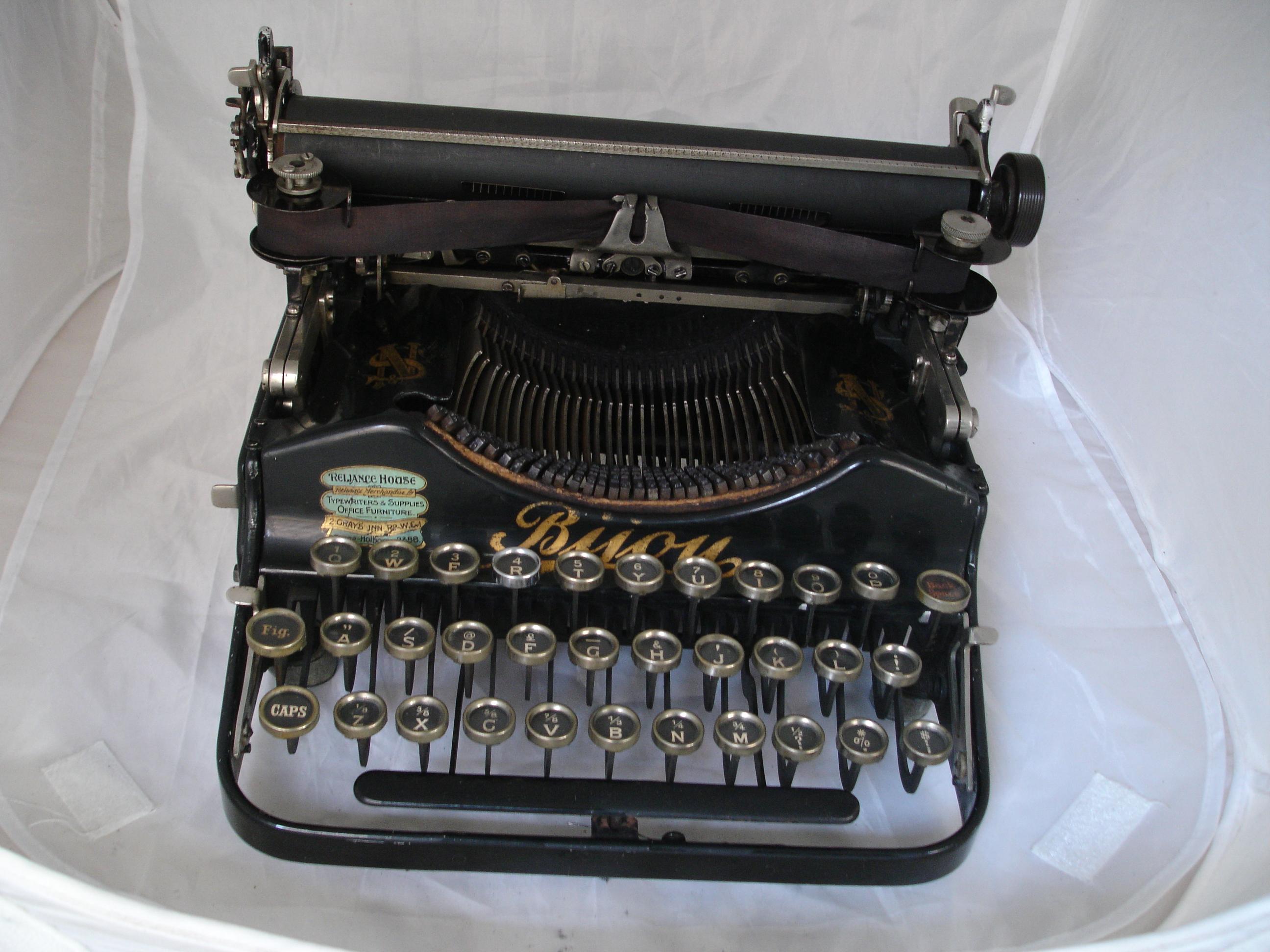 Bijou, la primera máquina de escribir plegable - EL COLECCIONISTA ...
